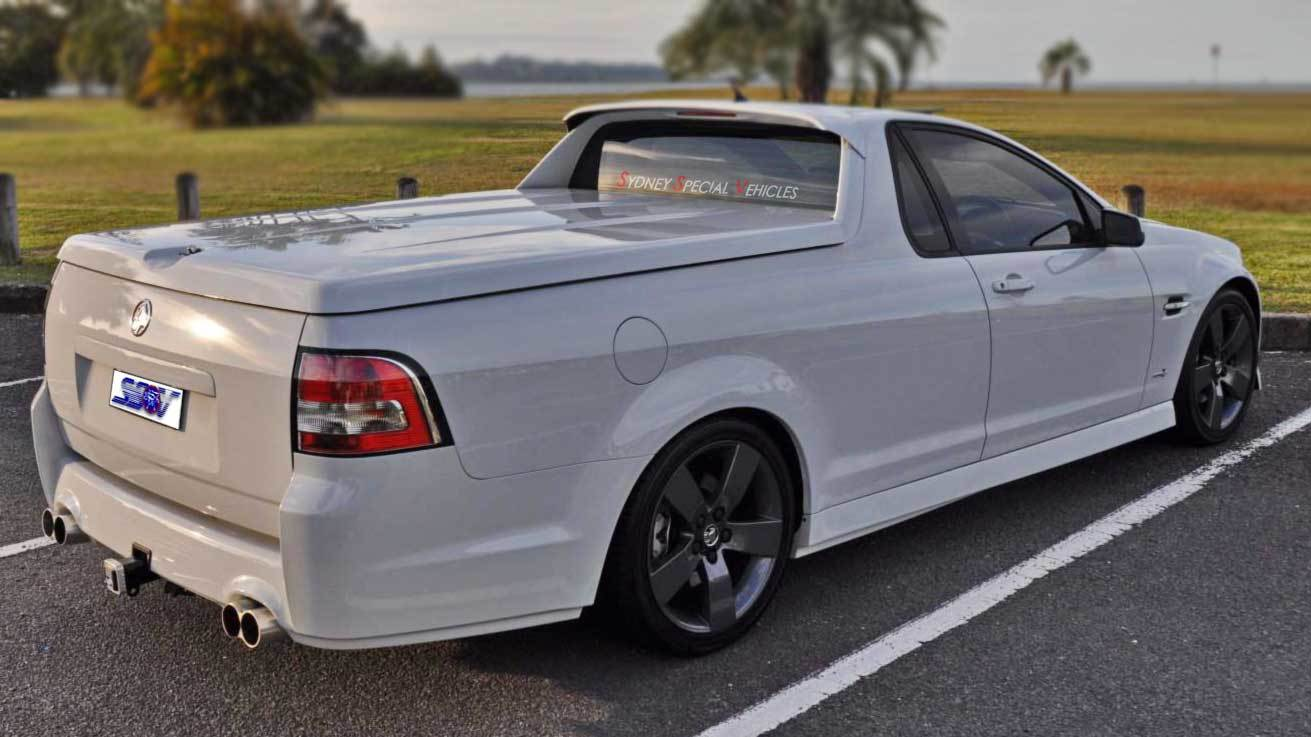 cabin spoiler roof wing for vevf commodore utes