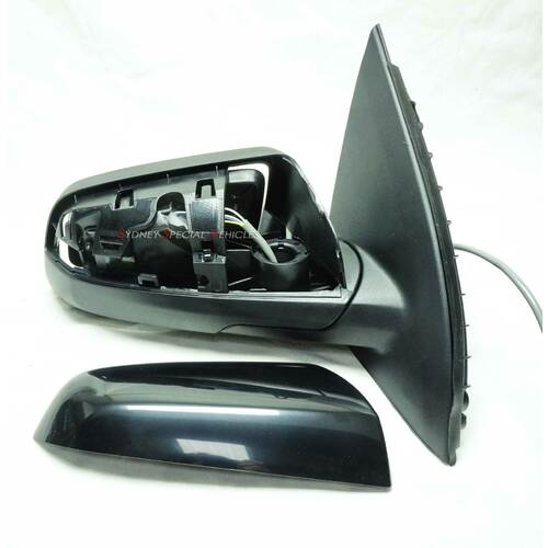 DRIVERS SIDE, SIDE MIRROR FOR VF COMMODORE - 5 PIN